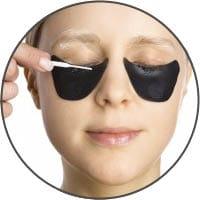 Wimpernblättchen mit RefectoCil Skin Protection Creme anbringen